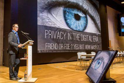 Luxembourg Event Photographer | Internet Privacy